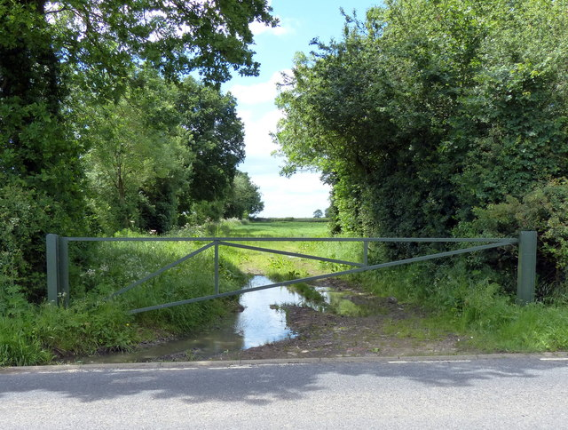 Access to farmland along the B4455 Fosse Way