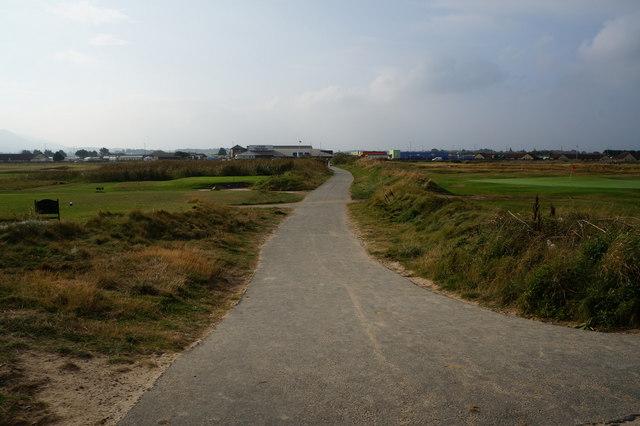 Path leading to Rhyl Coast Road