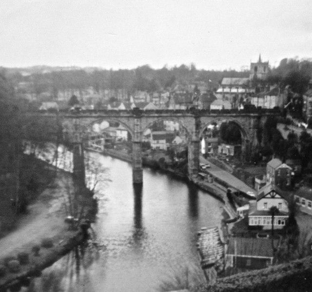 Knaresborough - River Nidd and railway bridge