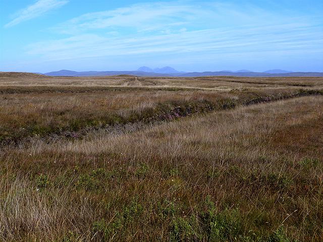 Old peat cuttings along the Allt na Criche