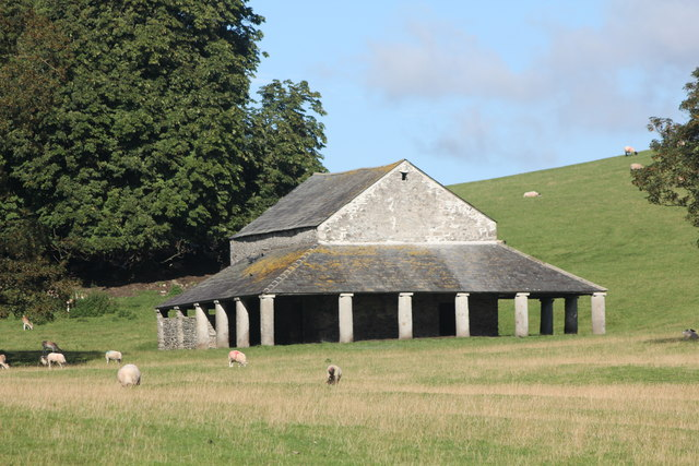Deer Shed or pillared barn from A6