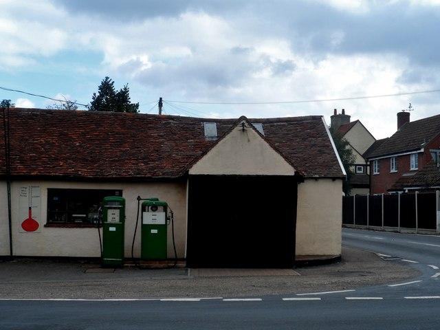 The Old Forge Garage, Layer de la Haye