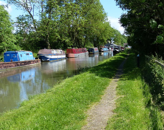 Stretton Stop along the Oxford Canal