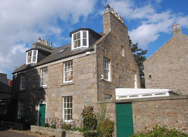 18 Dee Place, Aberdeen