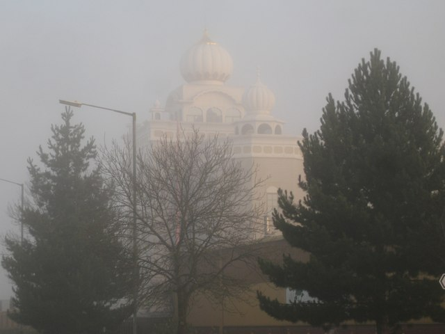 Foggy morning, south Leamington – Gurdwara Sahib Sikh Temple