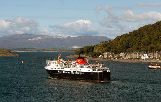 Isle of Mull leaving Oban