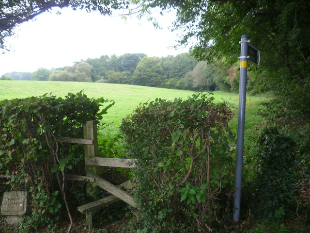 Footpath from Bassetts Lane