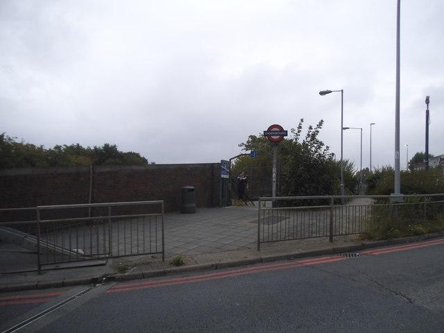 Subway to Hanger Lane Station