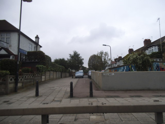 Park Road from the North Circular