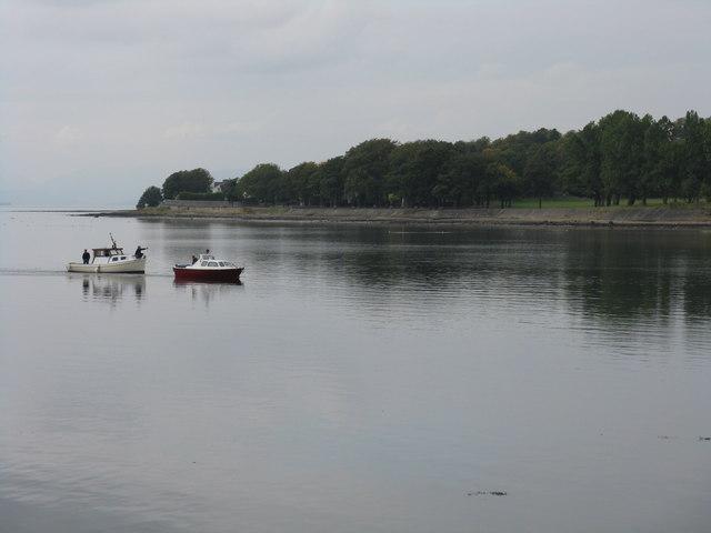 Vessels entering the River Leven channel