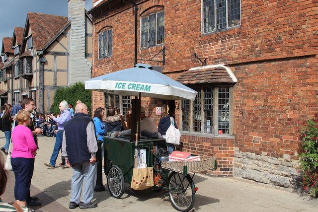 Ice cream seller, Henley Street