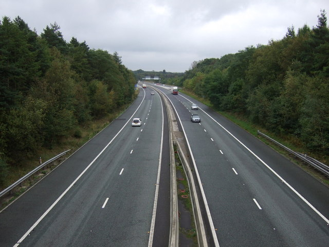 M180 eastbound, Junction 4