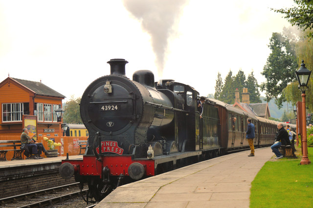 Fowler 4F on the teaks at Arley