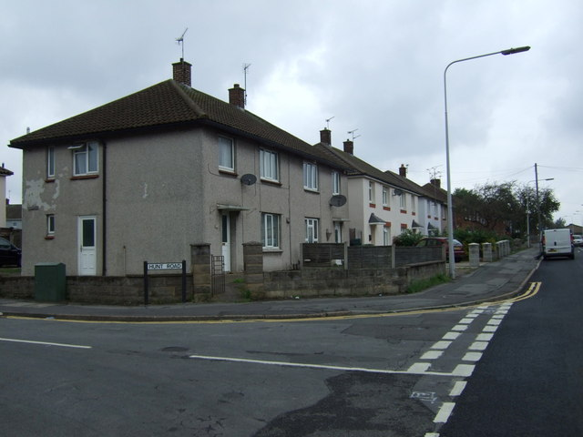 Houses on Everest Road