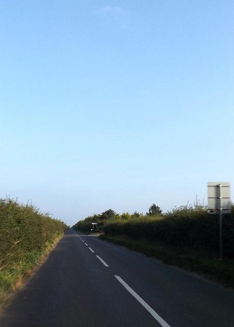 B1104 approaching the road to Freckenham
