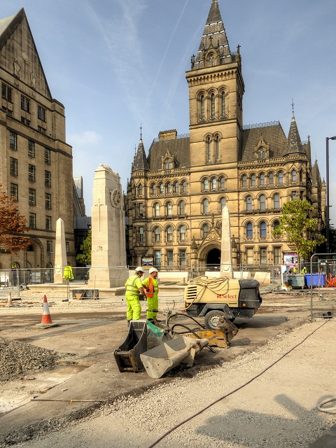 Manchester Cenotaph and Town Hall - September 2014