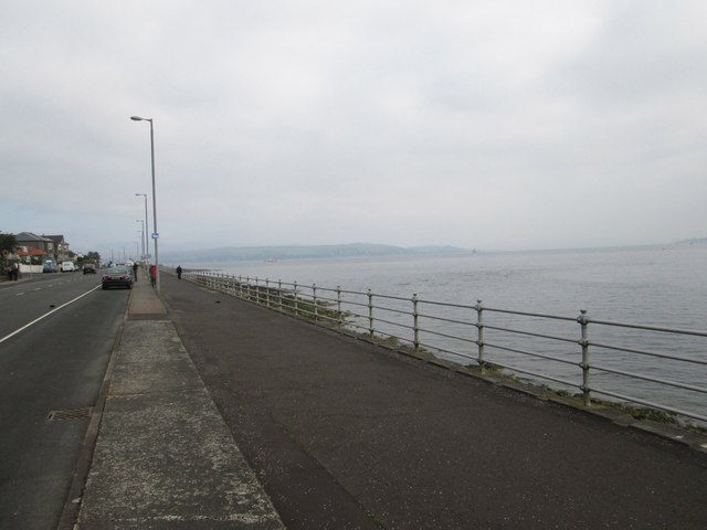 Looking north on the Dunoon seafront