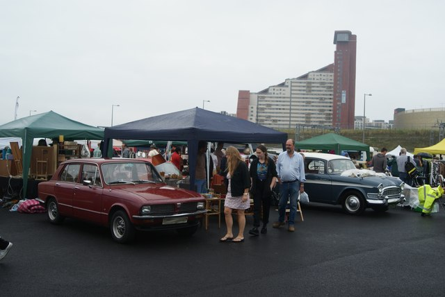 View of a Triumph Toledo and Humber Super Snipe near the entrance at the Classic Car Boot Sale