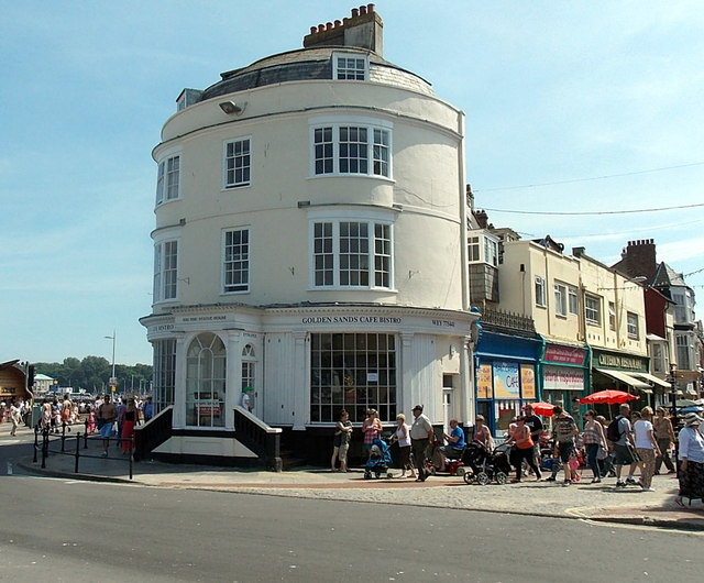 Golden Sands cafe bistro in Weymouth