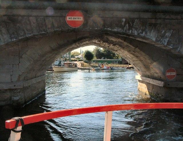 Exiting under Clopton Bridge