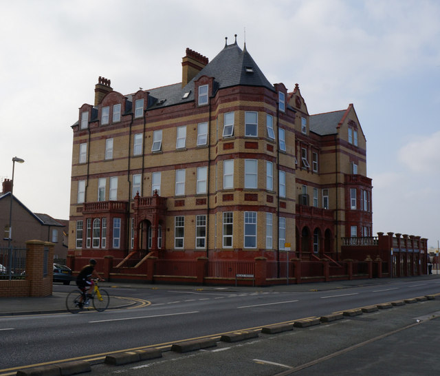 Building on Palace Avenue, Rhyl