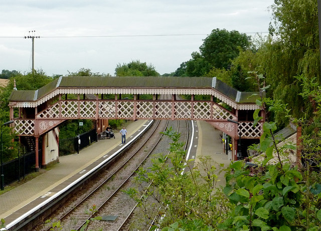 Wilmcote Station and footbridge in Warwickshire