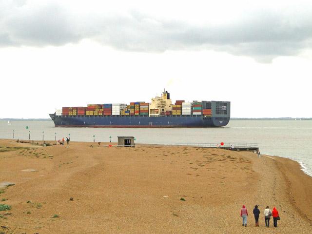 MSC Mira leaving Felixstowe Docks