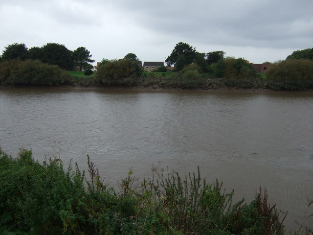 Looking across the River Trent, East Butterwick