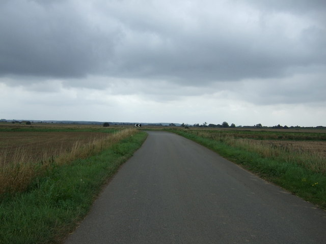 Approaching a bend on Messingham Road