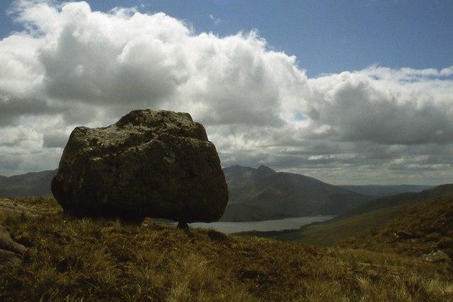 Perched erratic on the ridge of Creag na Cathaig