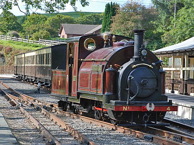 Palmerston running around its train