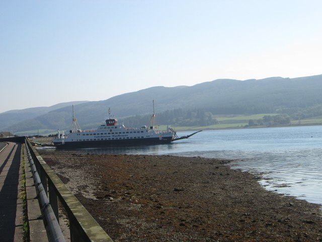 The ferry boat awaits at Colintraive pier