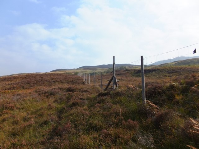 Stile in deer fence below Achadh Ire