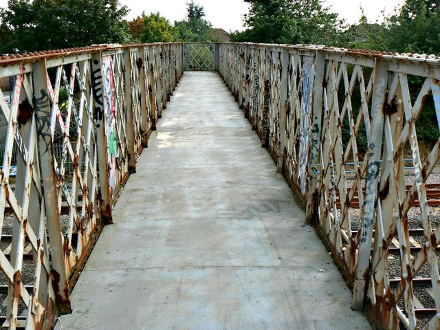 Footbridge, Paddington to the West railway, Stratton, Swindon (4)