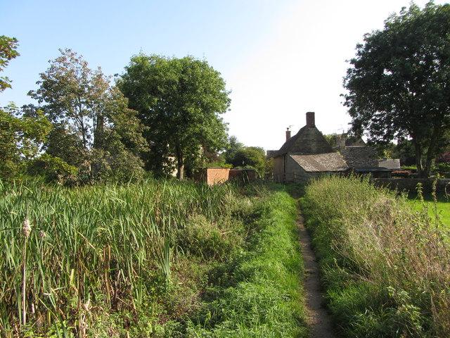 Thames Path in Ashton Keynes