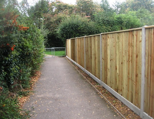 Looking tidy - a new fence