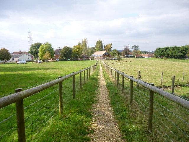 Woodgreen, permissive footpath