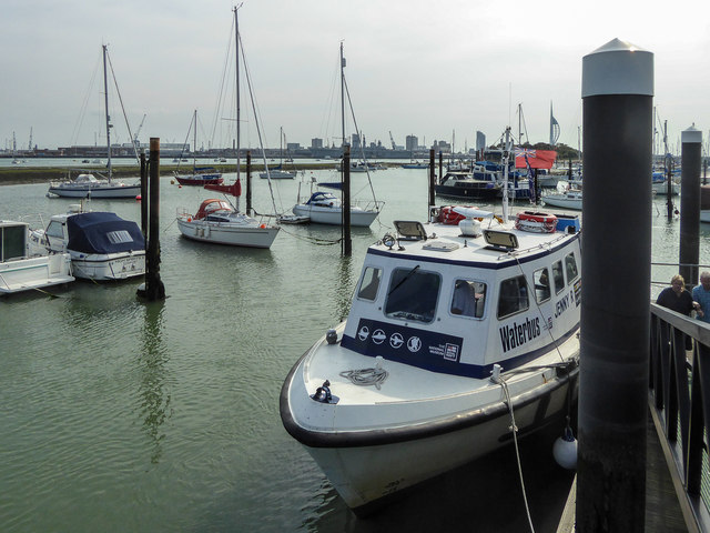 Waterbus, Portsmouth Harbour, Portsmouth, Hampshire