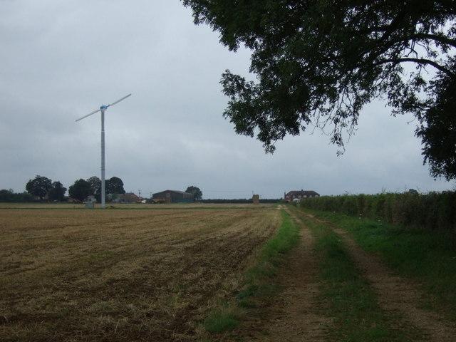 Track heading north from Kirton Road