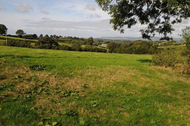 Farmland west of Cefn Berain