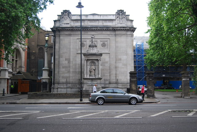 Monument to Cardinal Newman