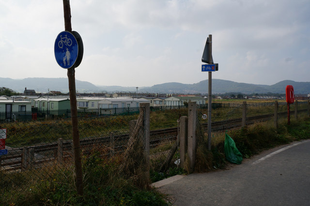 Footpath leading to Towyn Road