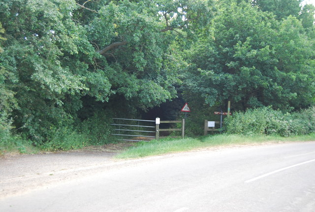 Footpath to Alton Water