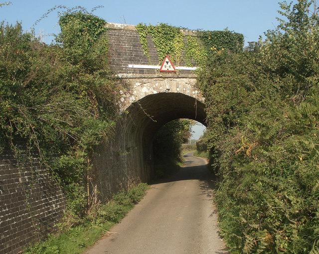 Former tramroad and railway bridge over Moor Lane, Nottage