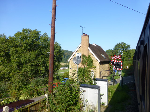 Level crossing at Northwood Halt