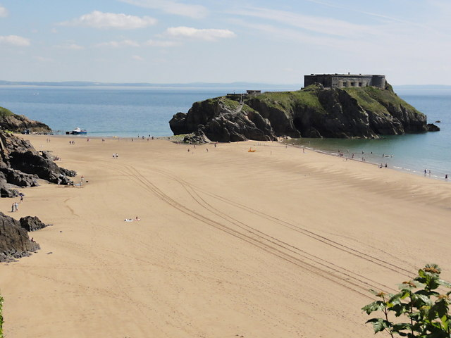 South Beach and St Catherine's Island, Tenby