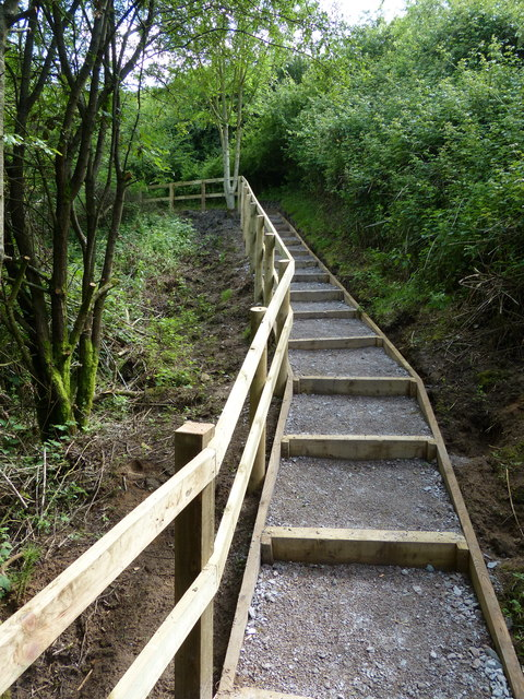 New steps leading up to Nettle Hill Bridge