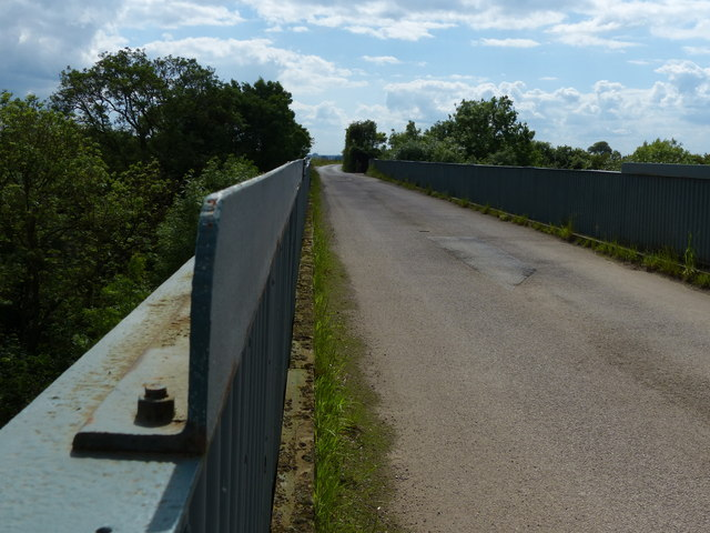 Lane crossing Nettle Hill Bridge