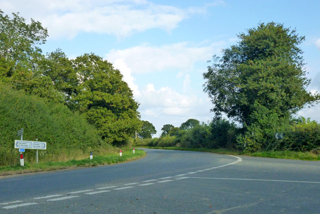 Road junction near Hyde Heath