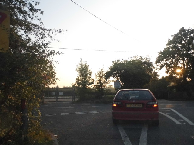 Bunce Common Road at the junction of Shellwood Road